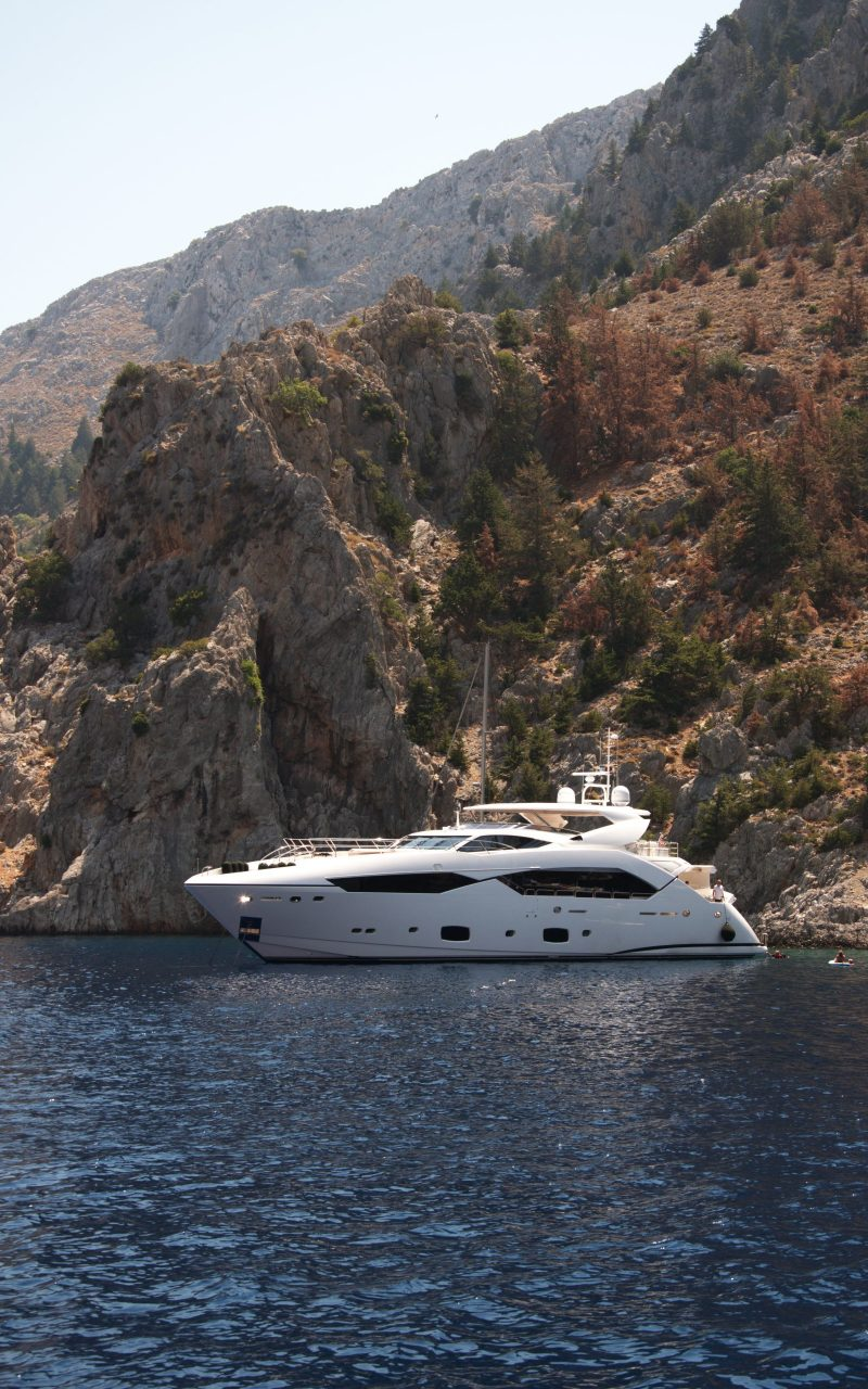 gnsyachting-catamaran-booking-motor-yacht-greece-holiday-4
