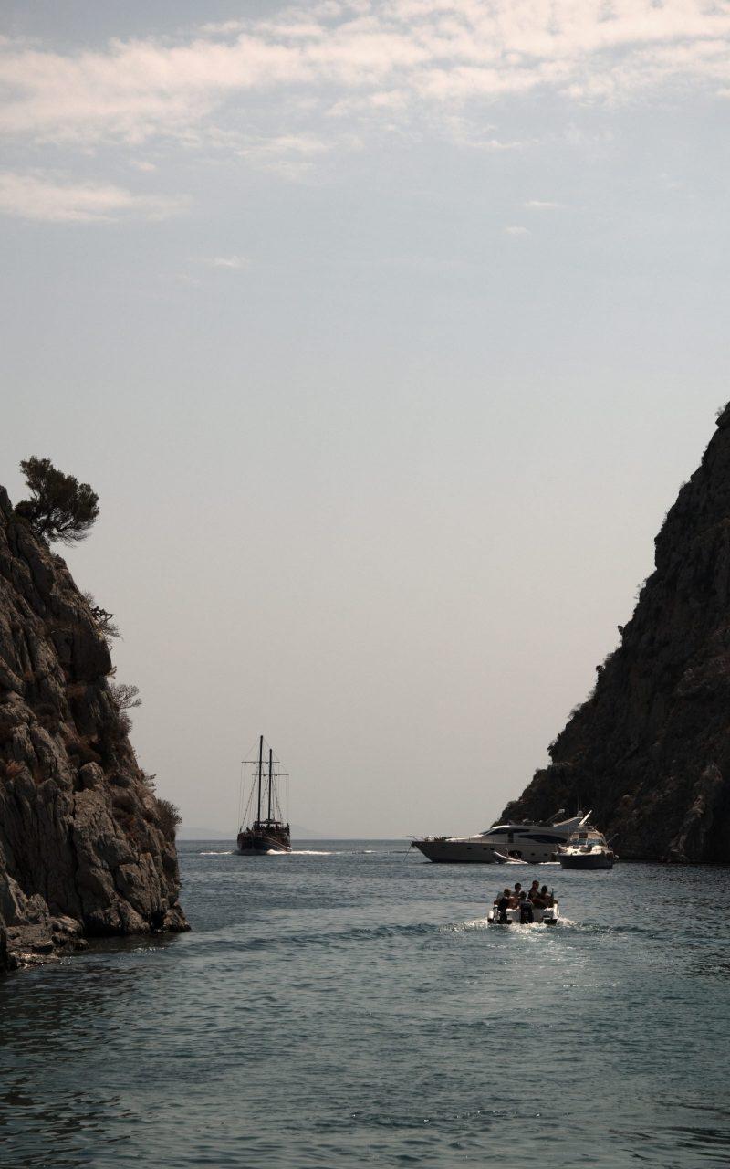 gnsyachting-catamaran-booking-motor-yacht-greece-holiday-6