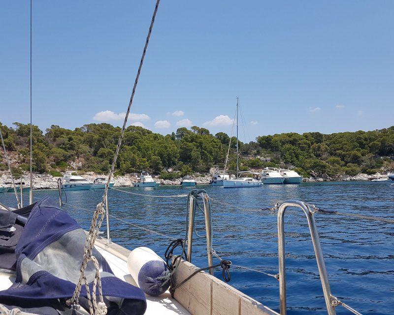 gnsyachting-yachting-sailboat-booking-greece-3